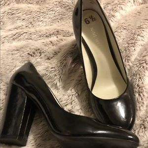 Nine West black patent leather chunky heel sz 6.5